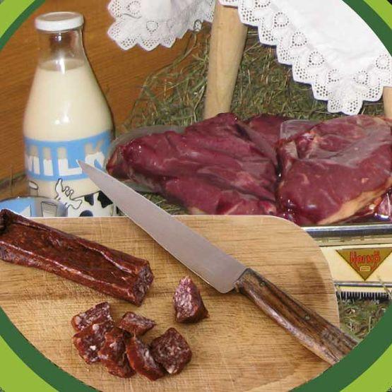 Ziegenwurst, Ziegenkitzfleisch, Ziegenmilch - alles bio.
